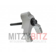 FUEL INJECTION HOLDER AND BOLT