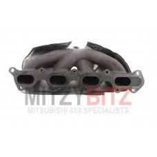 EXHAUST MANIFOLD WITH HEATSHIELD