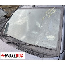 WINDSHIELD / WINDSCREEN GLASS