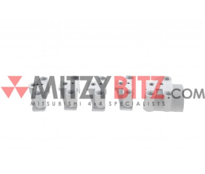 ENGINE CAMSHAFT CAP SET (5) FOR A MITSUBISHI PAJERO/MONTERO - V33V